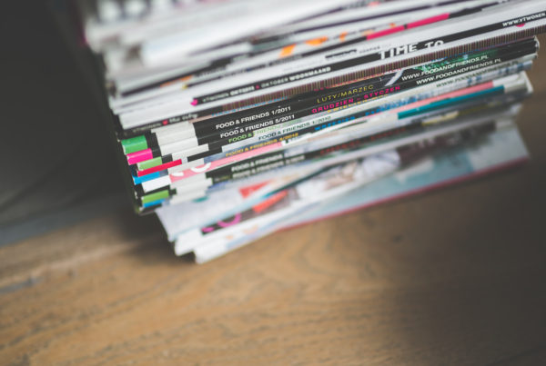 kaboompics-com_stack-of-various-magazines